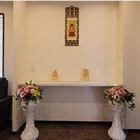 控室内祭壇